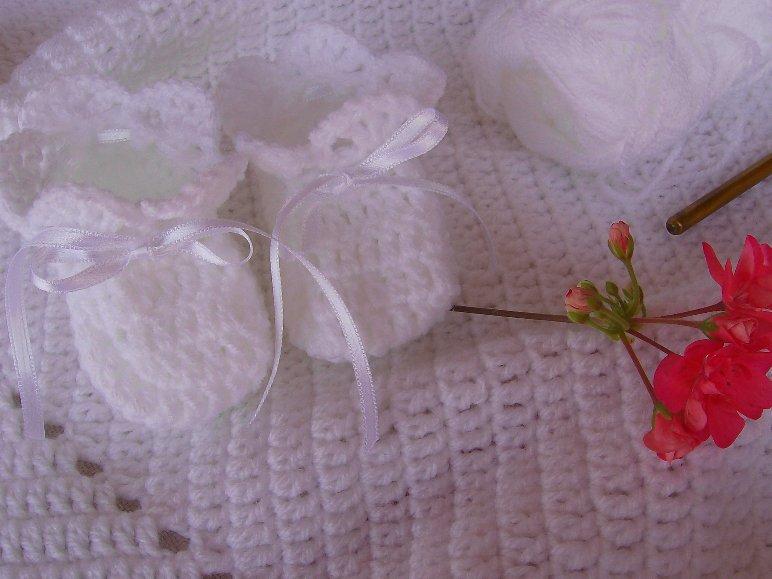 Схема вязанного костюма для новорожденного фото 297